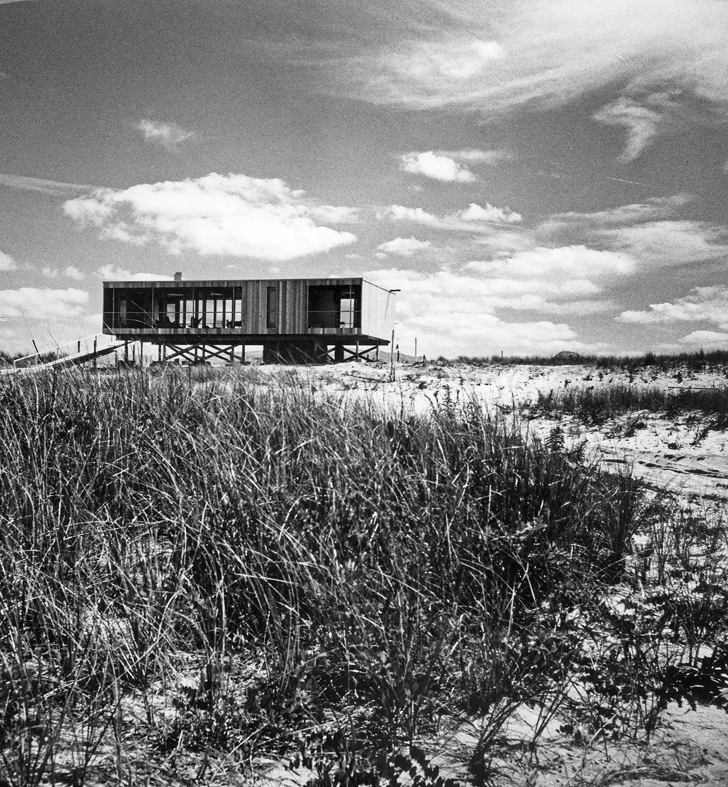 A Look at Richard Meier's Iconic Lambert House