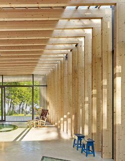Carlsson used the same materials and timber sizes indoors and out to maintain a unified character throughout the pavilion.