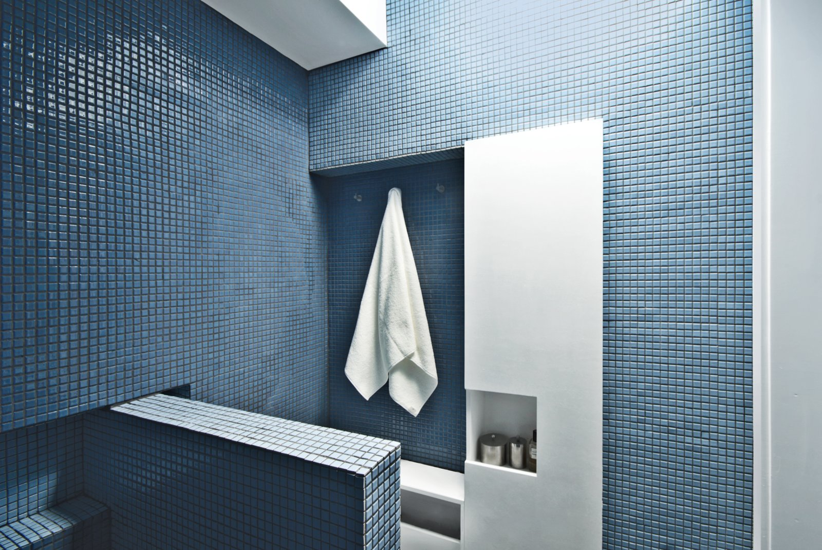 How To: Bathrooms for Small Spaces Collection of 9 Photos by Kelsey ...