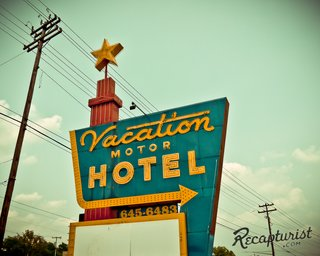 These Amazing Vintage Signs Are a Blast from America's Past - Photo 7 of 9 -