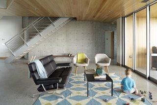 Angular Modern Beach House in Florida - Photo 4 of 10 -