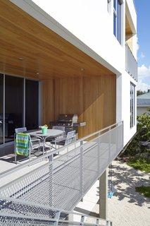 Angular Modern Beach House in Florida - Photo 3 of 10 -