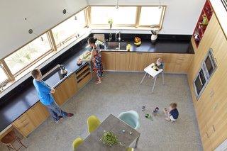 Angular Modern Beach House in Florida - Photo 6 of 10 -