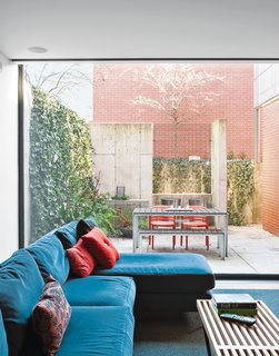 A Brick-Clad Modern Family Home in Chicago - Photo 7 of 8 -