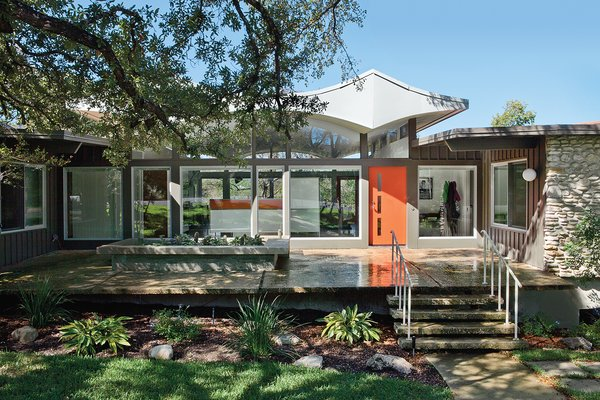 A Renovated Midcentury Gem In Austin Dwell