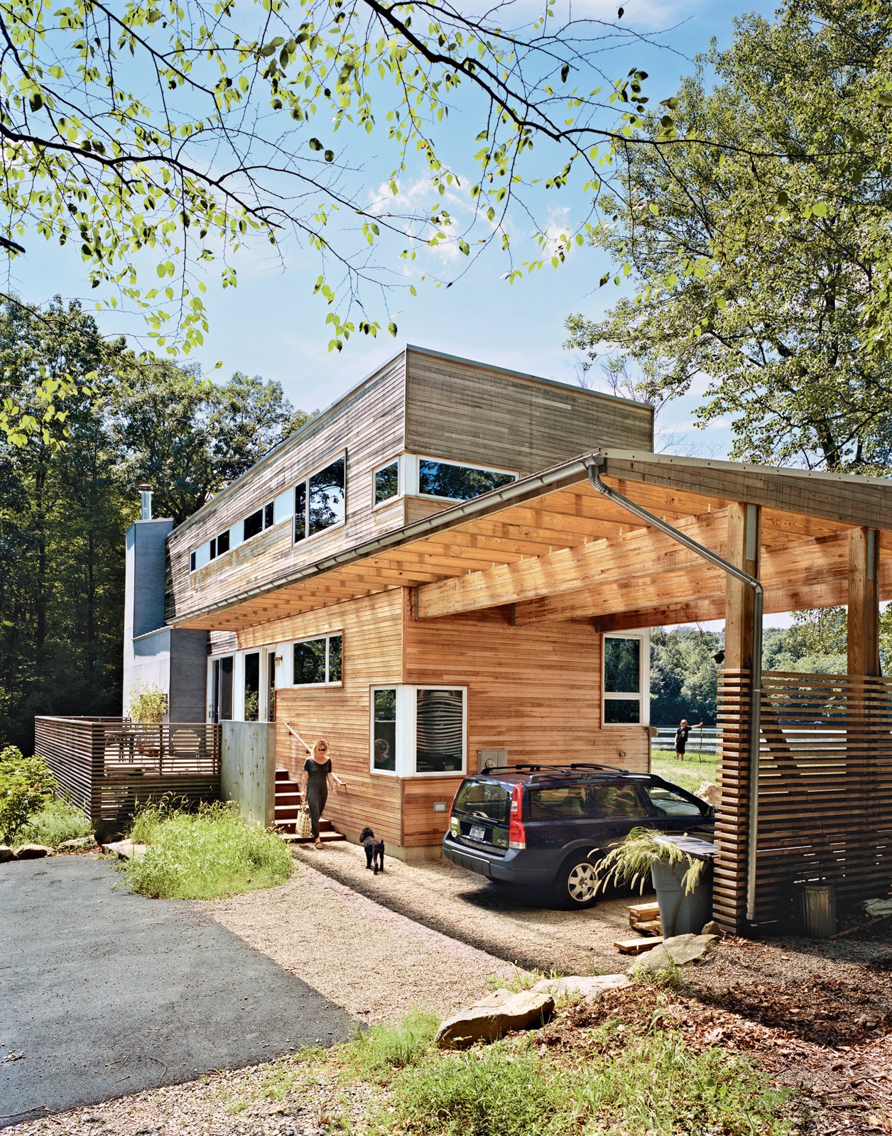A Lakeside Prefab in New Jersey  A New Zealand expat and her son use their prefabricated lakeside New Jersey retreat as an outdoorsy counterpoint to city life.  Photo by: Mark Mahaney  Curious on what was popular last week? Click here!