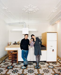 Homeowners Cecilia Tham and Yoel Karaso renovated their home in Barcelona, harmoniously overlapping elements of the old and the new.