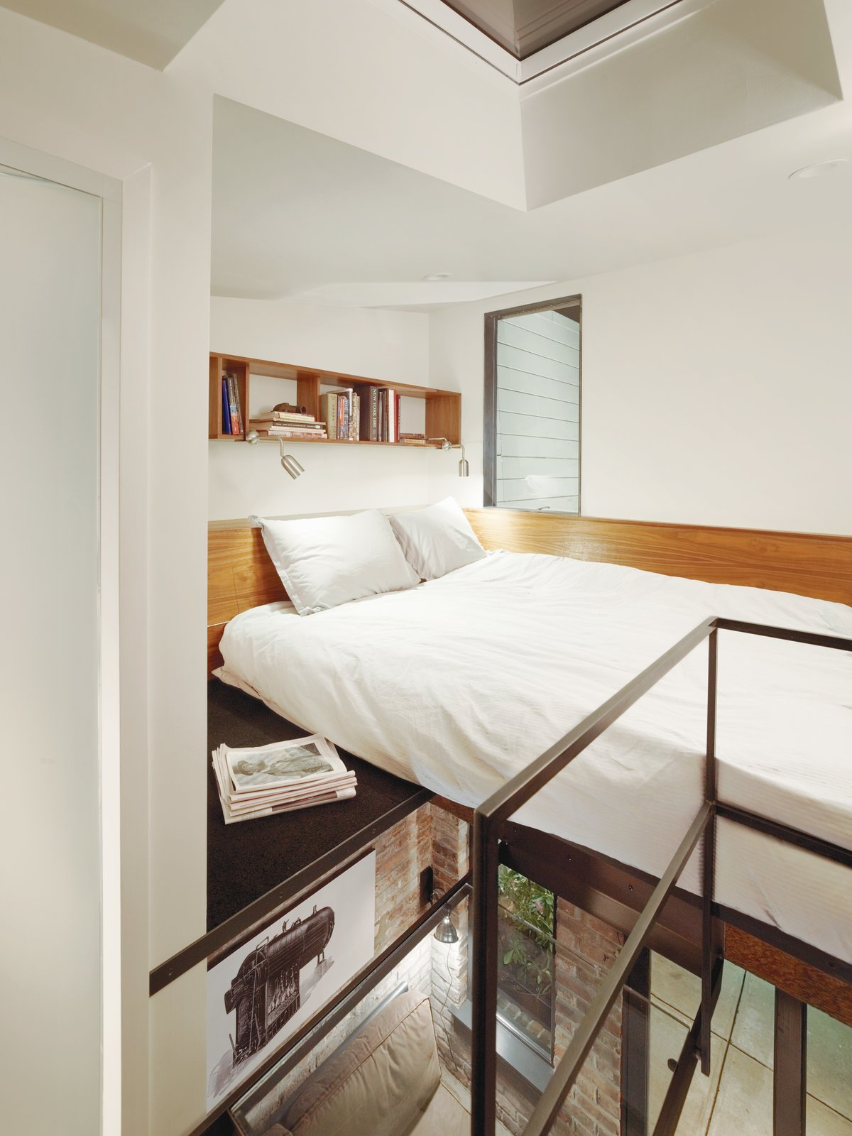 Make Your Space Look Bigger: 10 Lofted Bedrooms