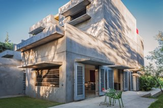 Modern Concrete Getaway in Paradise - Photo 7 of 9 -