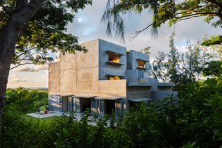 Modern Concrete Getaway in Paradise - Photo 8 of 9 -