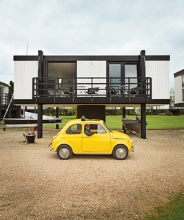Architect Paul Hinkin and his partner, Chrissy Pearce, bought and restored a 538-square-foot Deckhouse at Emsworth Yacht Harbour in Hampshire, England.