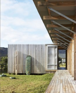 Off-the-Grid Island House in New Zealand Connects with the Outdoors - Photo 1 of 7 -