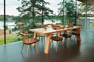 Gartnavel kitchen table. Architect: Rem Koolhaas, OMA. © Nick Turner.