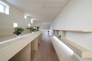 Minimal Home on a Narrow Plot in Japan - Photo 3 of 7 -