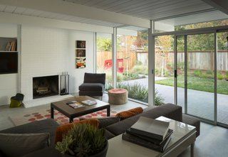 A Renovated Eichler Home in San Rafael, California - Photo 6 of 9 -