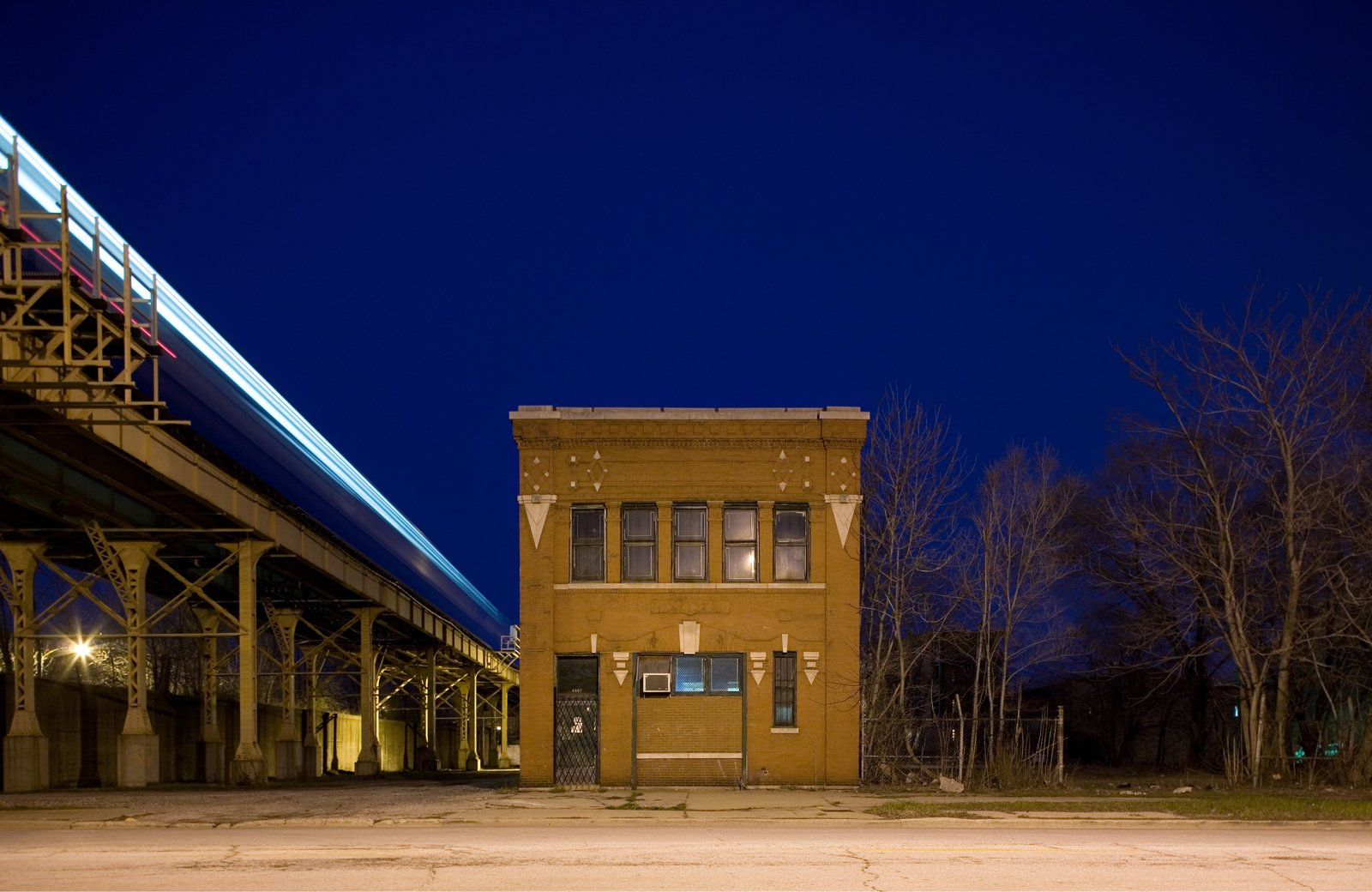 Photos of the Day: Isolated Building Studies