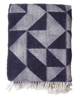 Dark purple is one of the new colors of the Twist A Twill blanket by Tina Ratzer.