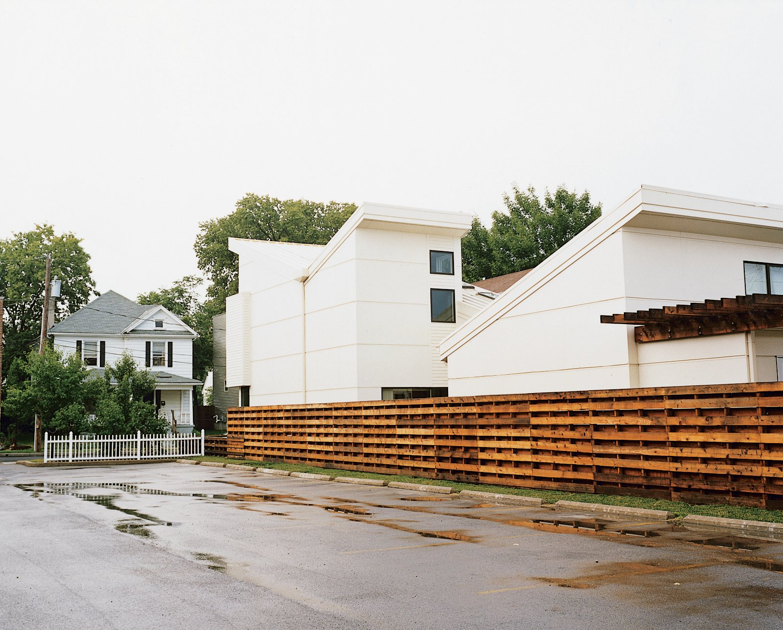 The modern Bracher house stands out in the more traditional Fairgrounds neighborhood outside the Dayton, Ohio city center.  Photo 9 of 20 in 20 Modern Homes From the Midwest from Suburban Flight