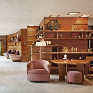 Accessible Frank Lloyd Wright House in Illinois Is Reborn as a Museum - Photo 3 of 8 -