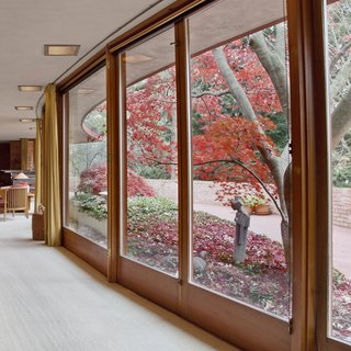 Accessible Frank Lloyd Wright House in Illinois Is Reborn as a Museum - Photo 5 of 8 -