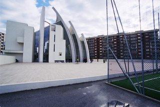 10 Inspiring Modern Churches - Photo 5 of 10 -