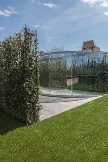 A Mirrored Garden Comes to the Met Rooftop - Photo 3 of 5 -