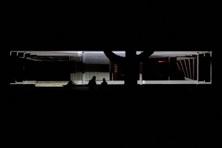 Lighting Up Mies van der Rohe's Farnsworth House - Photo 1 of 2 -
