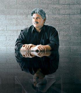 Ed Mazria - Photo 1 of 6 -