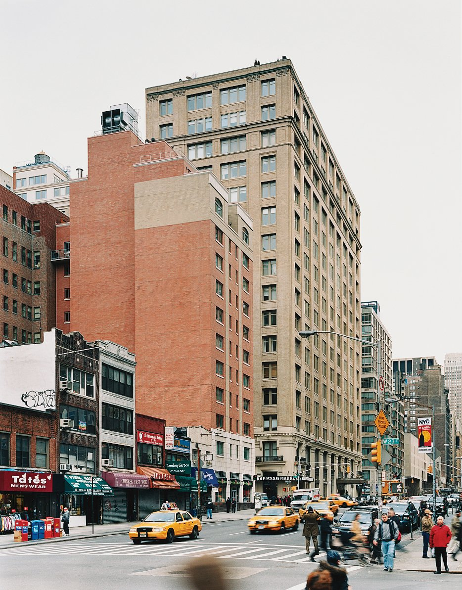 The apartment sits at a lofty remove from the busy Chelsea streets.  Photo 4 of 6 in Universal Appeal