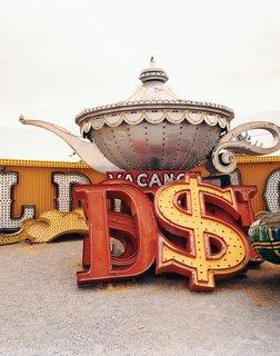 Living Las Vegas - Photo 3 of 8 -