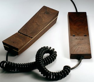 Hulger's Pappa Phone Is a Wooden Gadget Done Right - Photo 1 of 1 -