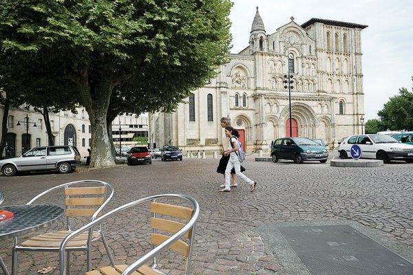 Bordeaux, France - Photo 2 of 9 -