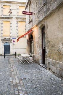 Bordeaux, France - Photo 9 of 9 -