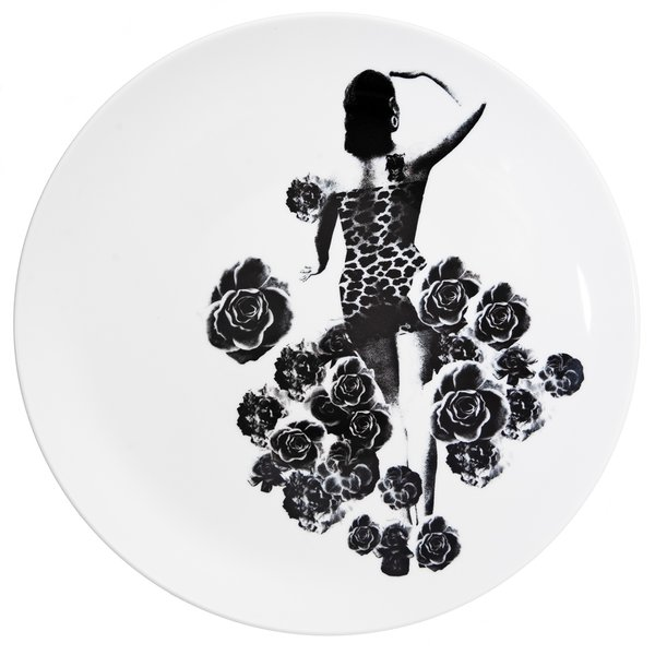 Moster (or Aunt) plate from the Between Us Women series, by Lisa Bengtsson