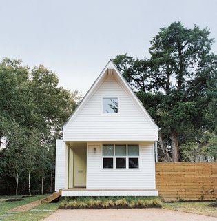 The Lowest Utility Bill on the Block - Photo 1 of 6 - Brett Zamore calls the house he designed for David Kaplan the Shot-Trot because it fuses two regional housing types, the shotgun and the dogtrot.