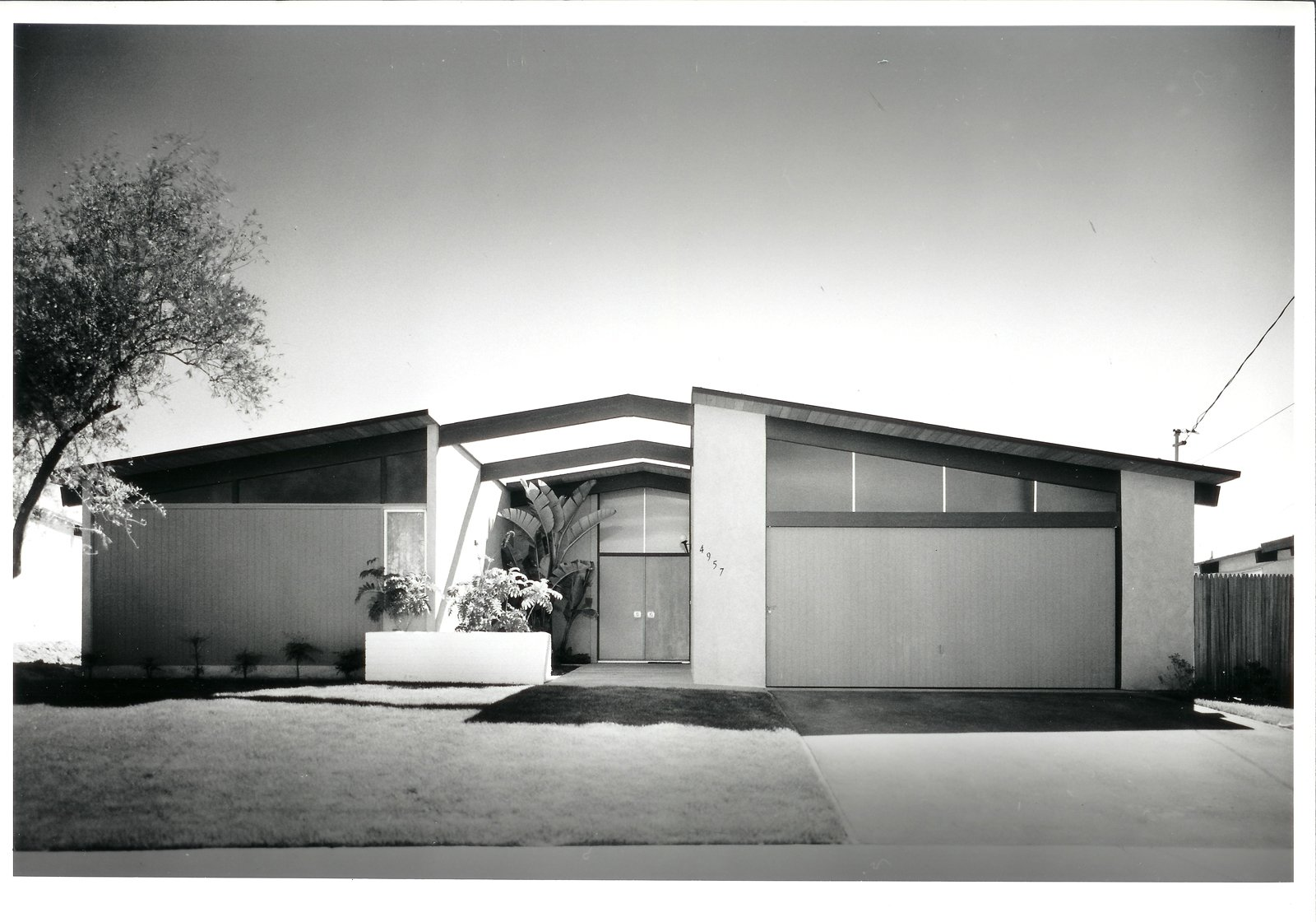 La Jolla Pacifica by William Krisel.  Photo 6 of 9 in Iconic California Midcentury-Modern Architect William Krisel Dies at 92 from Q&A with Illustrious California Architect William Krisel