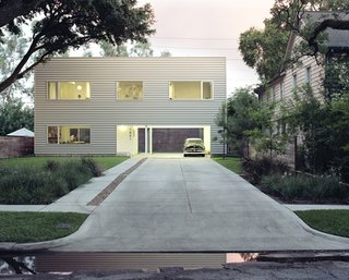 48' House by Interloop Architecture (Dawn Finley and Mark Wamble). Photo by Daniel Hennessey