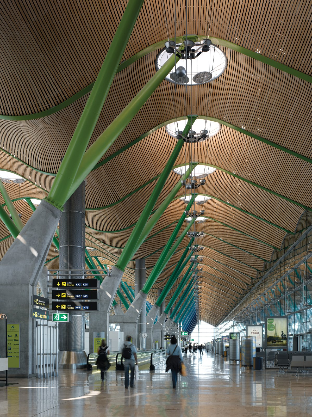 Barajas Airport, Madrid  Photo 4 of 5 in An Introduction to Airport Design