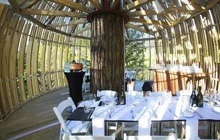 Yellow Treehouse Restaurant - Photo 2 of 5 -
