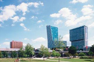 The Bilbao Effect - Photo 9 of 15 -