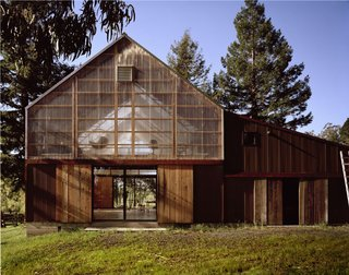A photography studio and workshop in Marin County, California, designed by Kennerly Architecture and Planning, winner of the New Practices San Francisco 2009 competition.