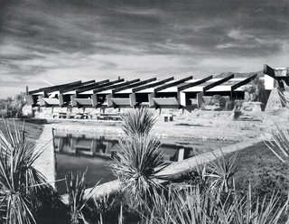 An Interview With Frank Lloyd Wright's Photographer Pedro E. Guerrero - Photo 7 of 8 - Taliesin West, 1939.