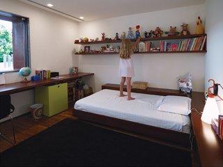 Kogan also designed almost all of the furnishings in Sophia's bedroom.