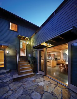 Designed by Tina Govan Architect the house maximizes the use of its tight urban lot both inside and out, opening up every indoor space to an outdoor one, allowing interior spaces to feel bigger.