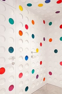 A Pantone Hotel for the Color-Obsessed - Photo 5 of 10 -