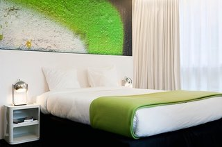 A Pantone Hotel for the Color-Obsessed - Photo 6 of 10 -