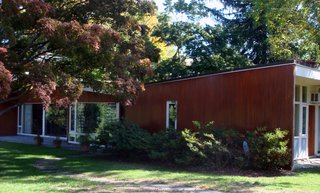 A defining characteristic of Breuer's design is the butterfly roof: the exact opposite of the high-pitched roof line that characterizes the Cape Cod vernacular style. Photo by Diana Budds.