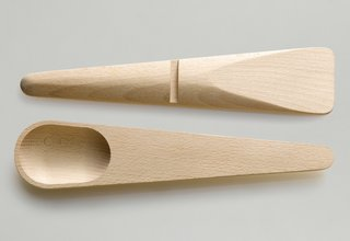 The Hang Around cooking set is made of white Beech and measures in at 11.2 inches in length.