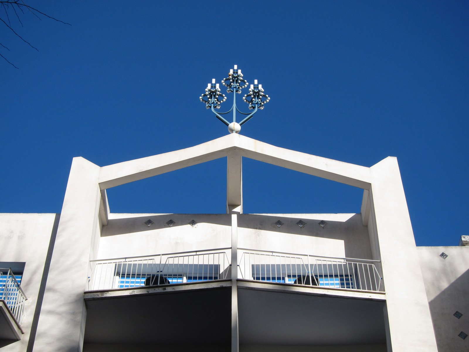 A fitting crown tops the Parco dei Principi hotel, Gio Ponti's Sorrento masterpiece.  Photo 1 of 29 in Gio Ponti's Parco dei Principi Hotel