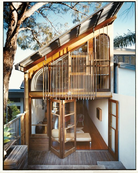 Wilkin and Pini hired Longma Joinery to build custom cedar windows and doors for their 270-square-foot addition.